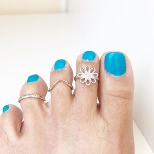 NWT Sterling Silver Clear CZ Daisy Flower Toe Ring